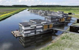 floating-houses-by-attika-lelys-5 (2)